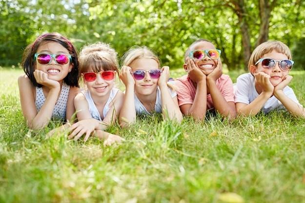 Gafas-de-Sol-desde-pequeños-protección-UV.