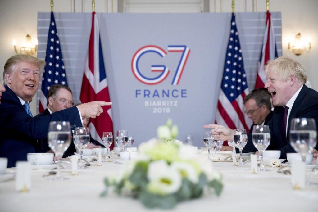 Trump ofrece a Johnson una gran transacción comercial si ocurre el Brexit