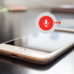 La relación entre asistentes virtuales, algoritmos, snippets y las búsquedas por voz